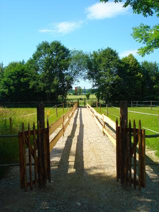 Ereignisreiche Ausflüge von Dachau aus ins Heckenlabyrinth Unterweikertshofen