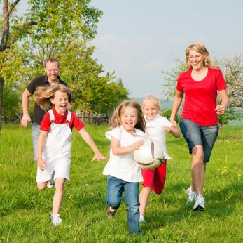 Ein unterhaltsamer Familien-Wandertag von München aus